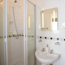 c_shower-ensuite48